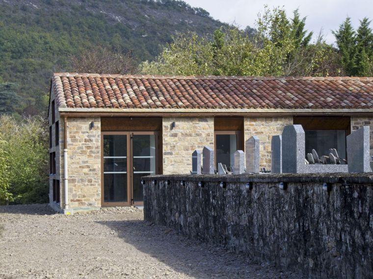 法国Vindrac-Alayrac文化中心外部实景图1