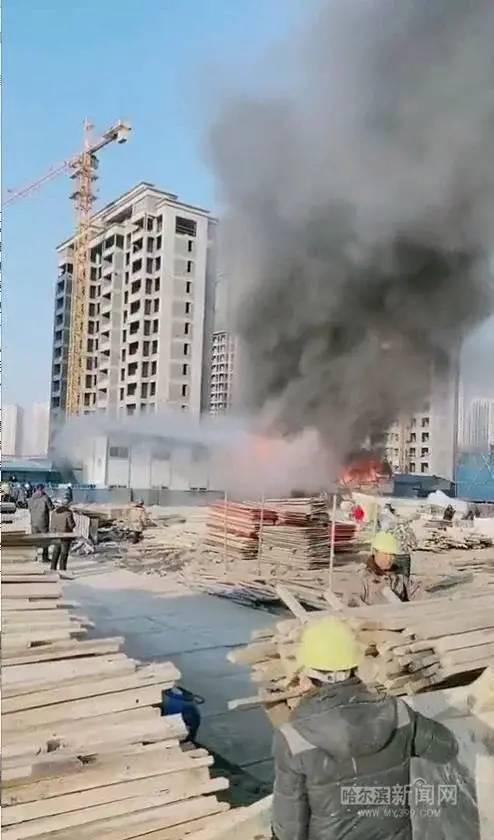 20天内,各地连发7起施工现场火灾事故!_11