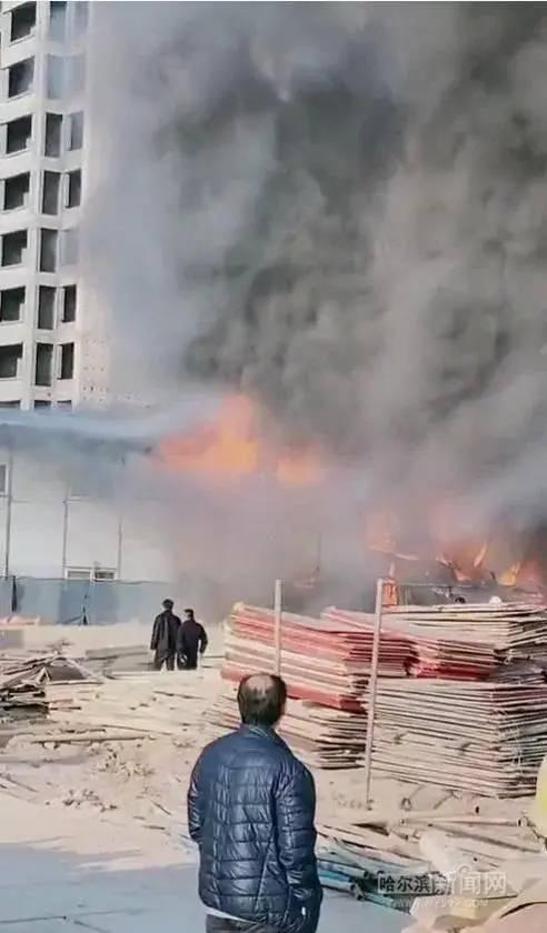 20天内,各地连发7起施工现场火灾事故!_12