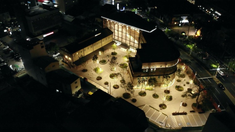 嘉义嘉义美术馆的广场实景图10