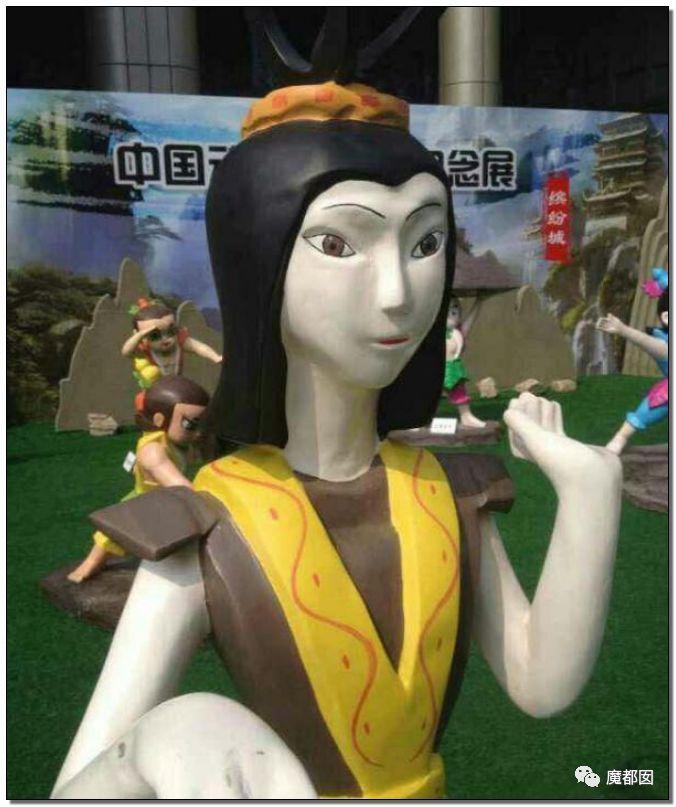 看看这些沙雕雕塑,实在是无法直视!_61