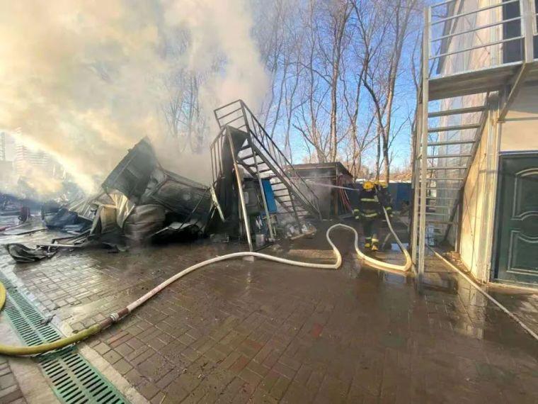 20天内,各地连发7起施工现场火灾事故!_1