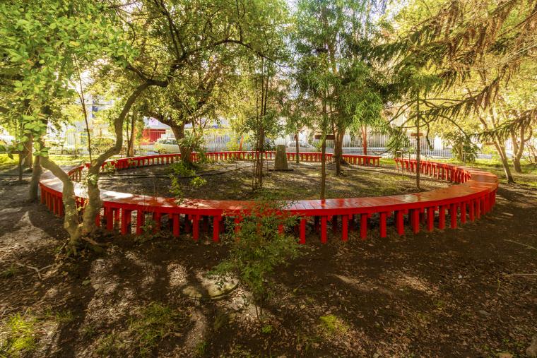 智利'无限长凳'装置实景图