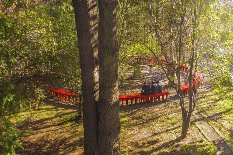 智利'无限长凳'装置实景图1