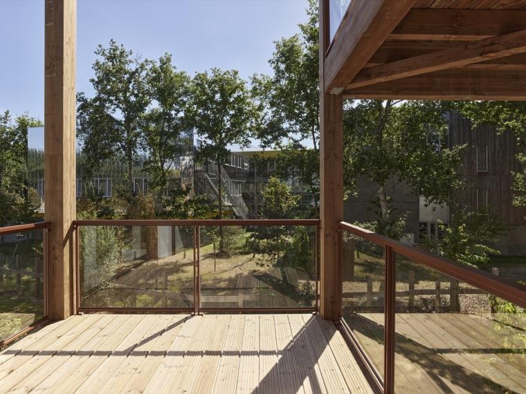 法国南特的45套住房外部实景图8