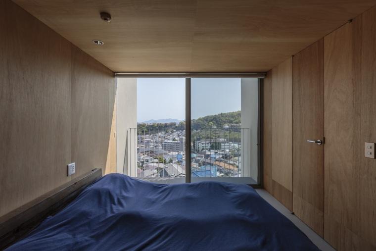 日本广岛山崖之宅室内实景图14