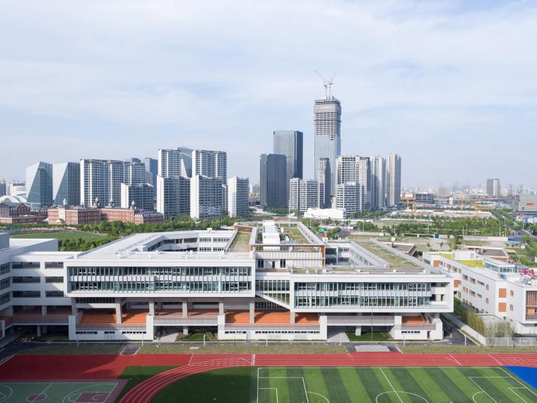 上海华东师范大学第二附属中学前滩学校-00