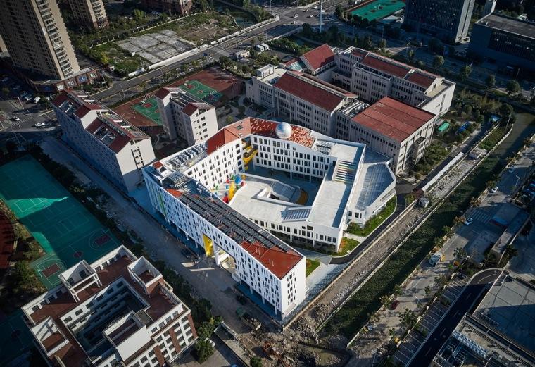 乐清市育英寄宿学校小学部二期工程-c1 西北向鸟瞰_调整大小.jpg