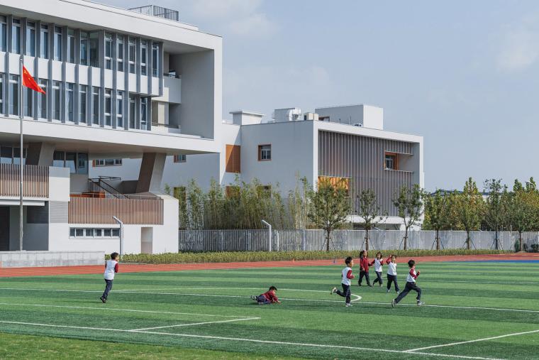 上海华东师范大学第二附属中学前滩学校外部实景图15