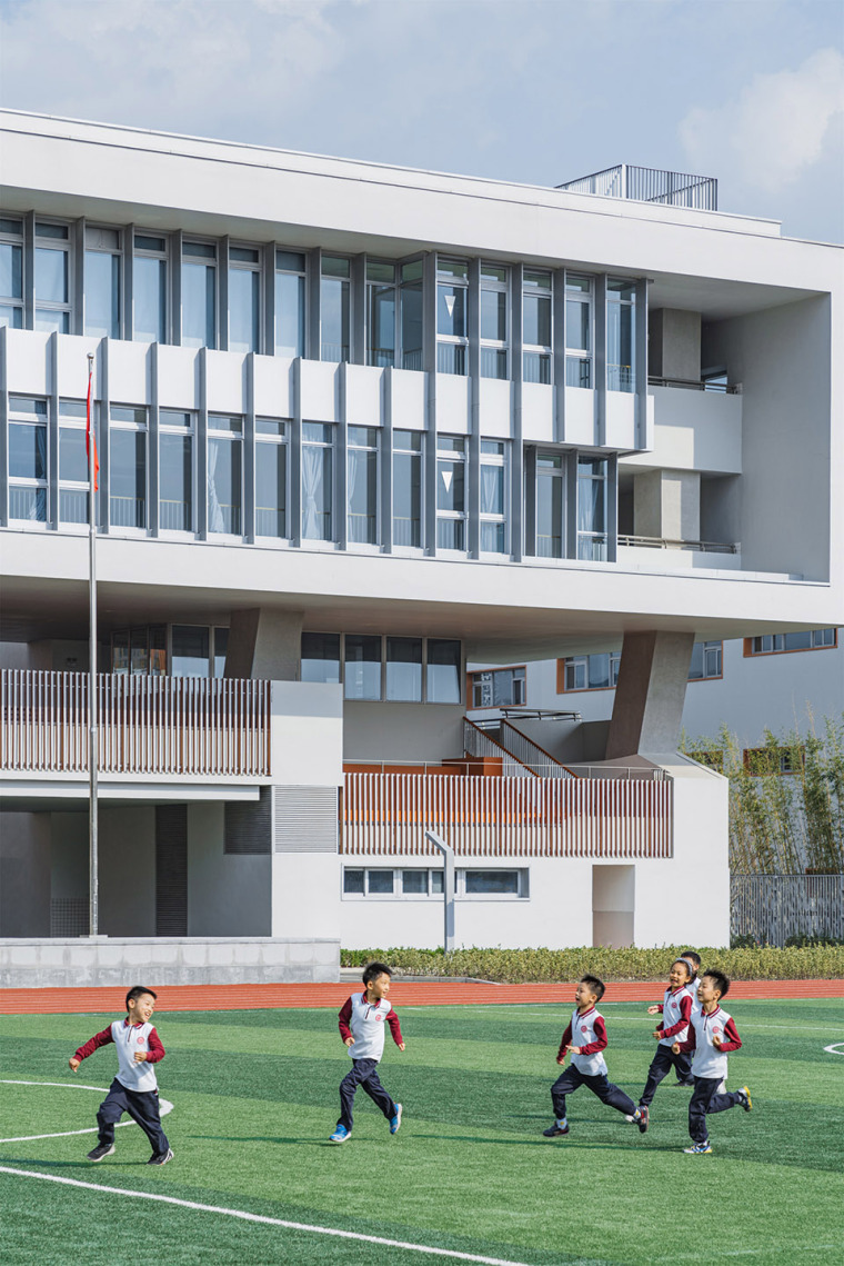 上海华东师范大学第二附属中学前滩学校外部实景图16