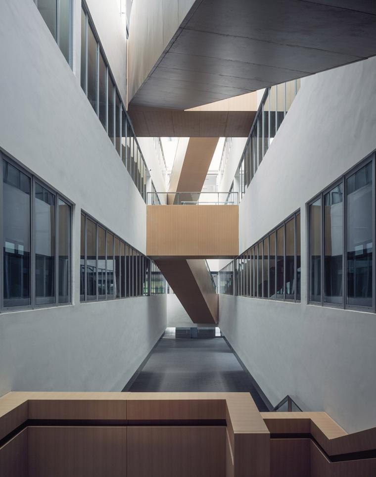 上海华东师范大学第二附属中学前滩学校内部实景图