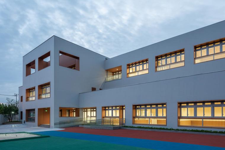 上海华东师范大学第二附属中学前滩学校外部实景图33