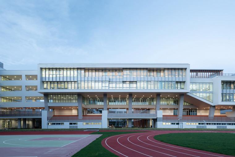 上海华东师范大学第二附属中学前滩学校外部实景图10