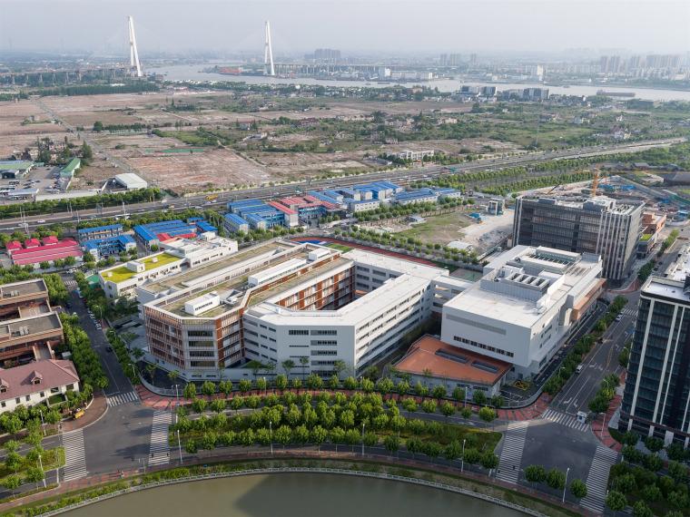 上海华东师范大学第二附属中学前滩学校外部实景图1
