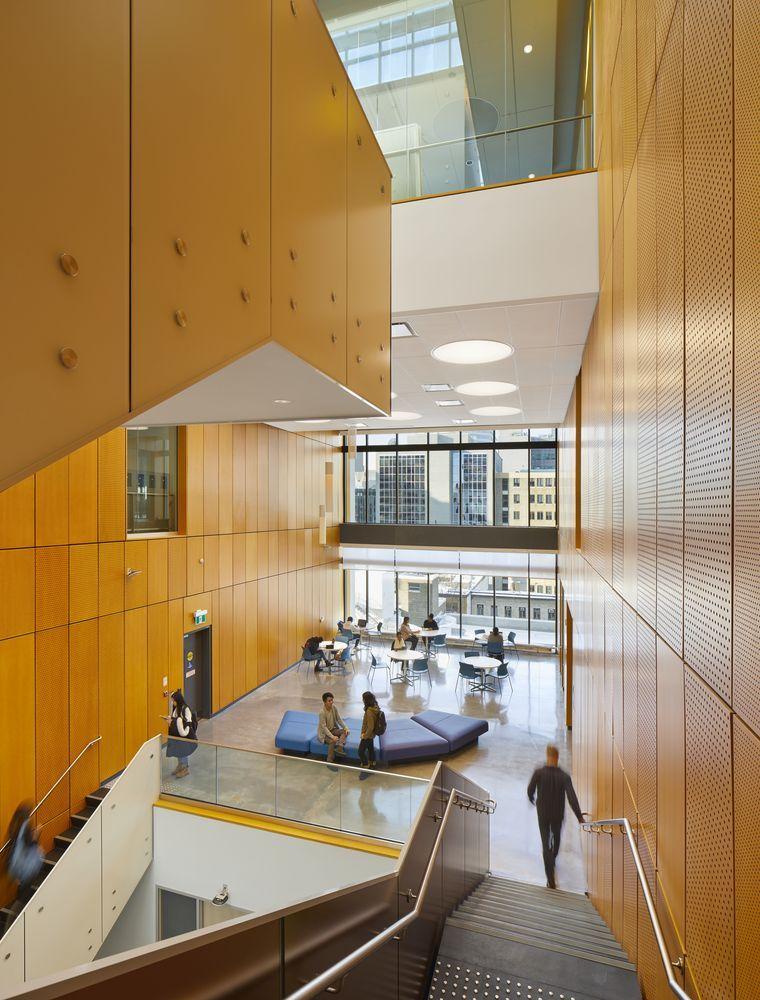 瑞尔森大学达芙妮考克威尔健康科学中心内部实景图