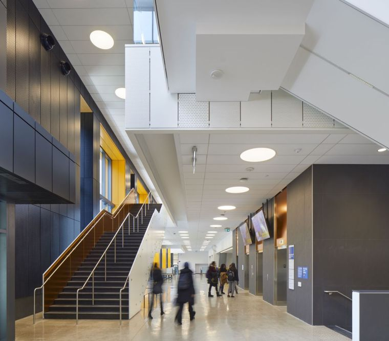 瑞尔森大学达芙妮考克威尔健康科学中心内部实景图1