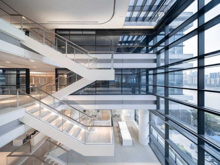 广州唯品会新一代办公空间内部实景图1