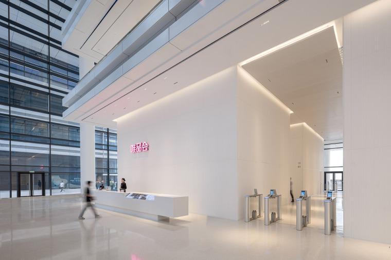 广州唯品会新一代办公空间内部实景图