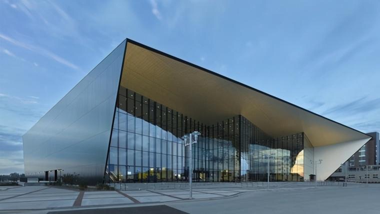 为什么很多在读建筑学的不建议你学建筑?_2