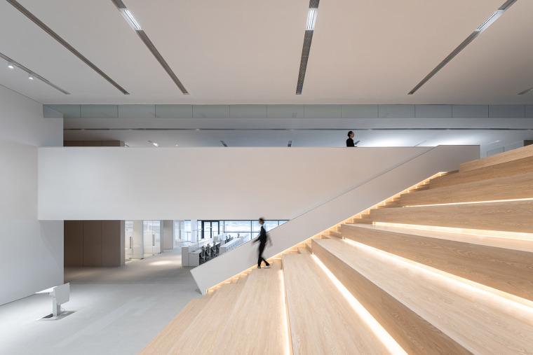 广州唯品会新一代办公空间内部实景图4