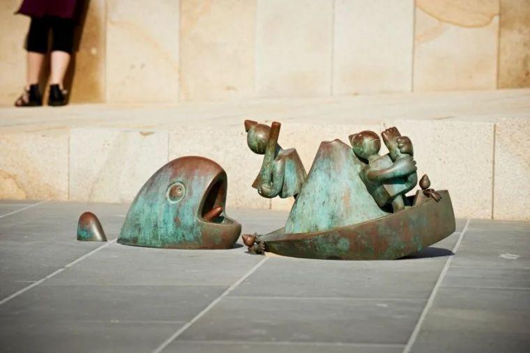 他设计的雕塑受全世界欢迎,却件件引人深思_8