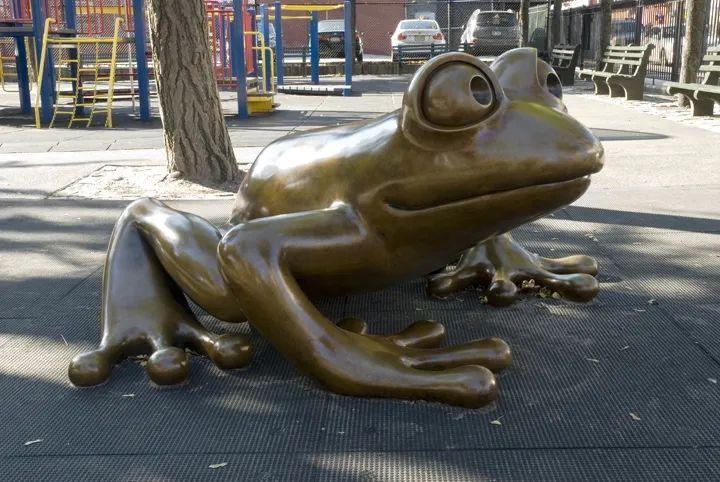 他设计的雕塑受全世界欢迎,却件件引人深思_20