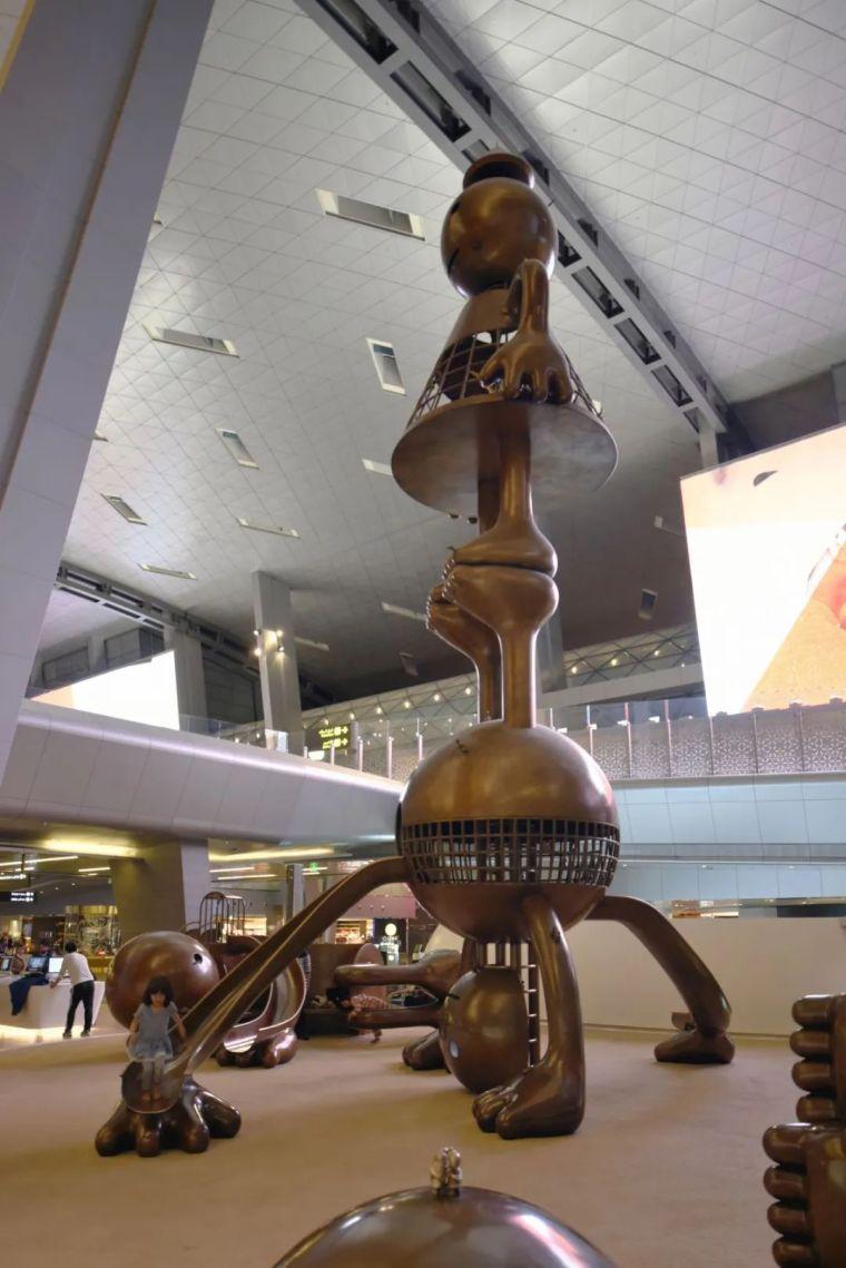 他设计的雕塑受全世界欢迎,却件件引人深思_21