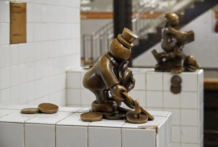 他设计的雕塑受全世界欢迎,却件件引人深思_33