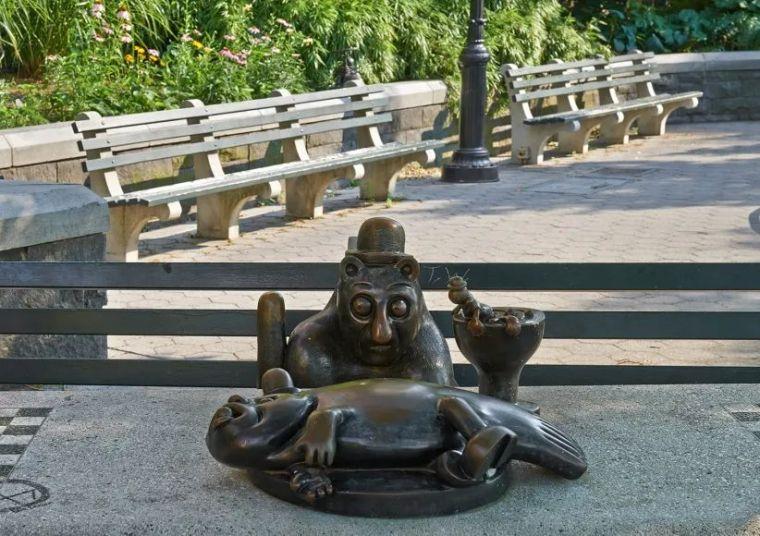 他设计的雕塑受全世界欢迎,却件件引人深思_44