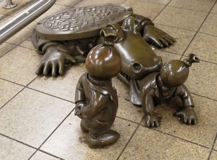 他设计的雕塑受全世界欢迎,却件件引人深思_62