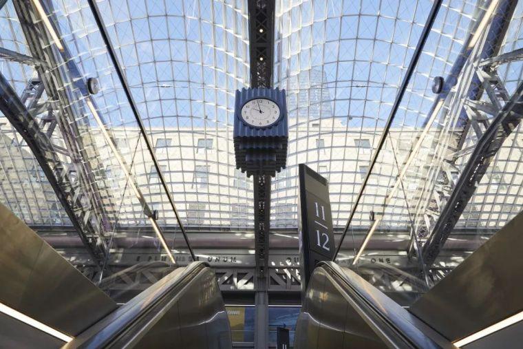 纽约莫伊尼汉车站列车大厅正式投入运营_9