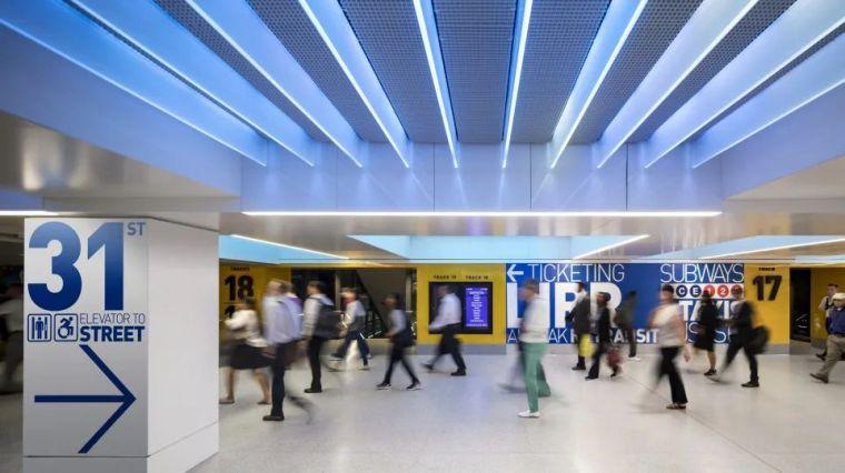 纽约莫伊尼汉车站列车大厅正式投入运营_11