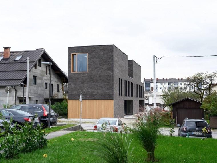斯洛文尼亚双层砖房