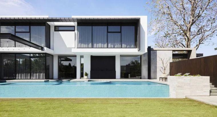 超开放设计+无边泳池,极简别墅真是绝了!_3