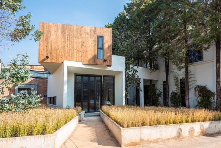 长空创作办公楼:农耕自然般的静谧与优雅_2
