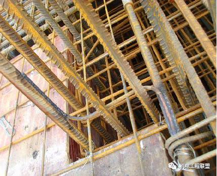 主体施工阶段水电暖管线预留预埋施工怎么做_63