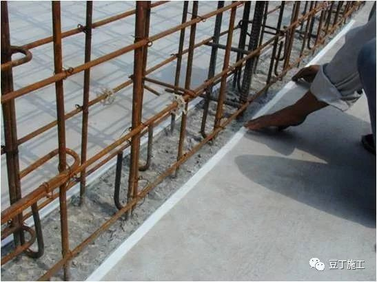 模板、混凝土施工操作要点,工程质量不发愁_11