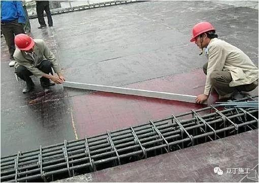 模板、混凝土施工操作要点,工程质量不发愁_13