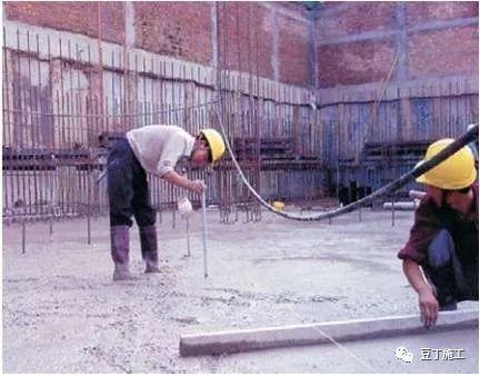 模板、混凝土施工操作要点,工程质量不发愁_39