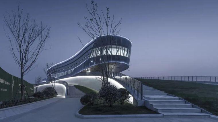 """""""漂浮""""在空中,一座充满未来科技感的建筑_27"""