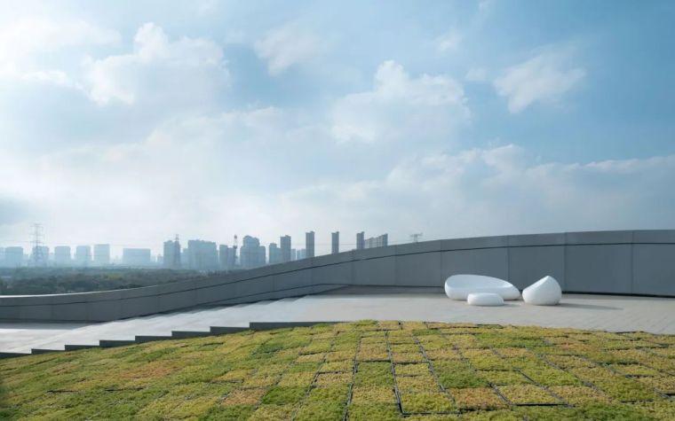 """""""漂浮""""在空中,一座充满未来科技感的建筑_31"""