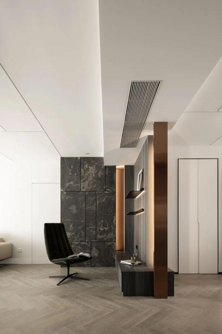 石材、木质与金属,克制平衡的极简空间_2