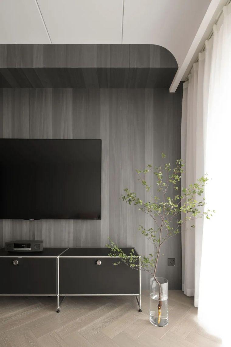 石材、木质与金属,克制平衡的极简空间_5