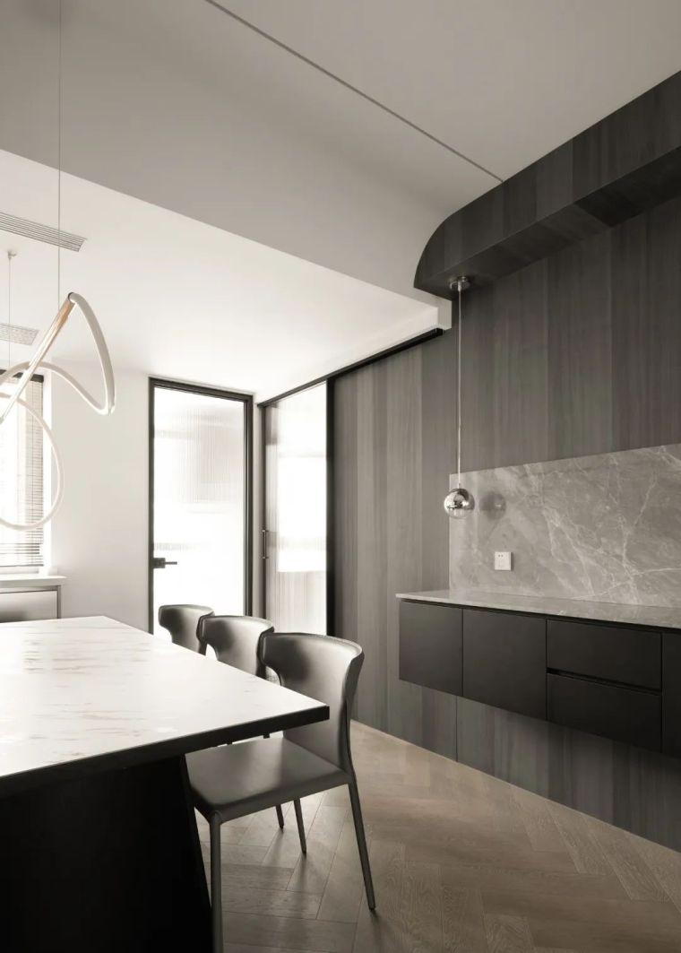 石材、木质与金属,克制平衡的极简空间_15