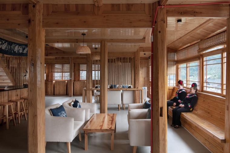 生长与对话:贵州龙塘精准扶贫设计实践-28 示范性存量改造内部 摄影:存在建筑-建筑摄影_调整大小.jpg