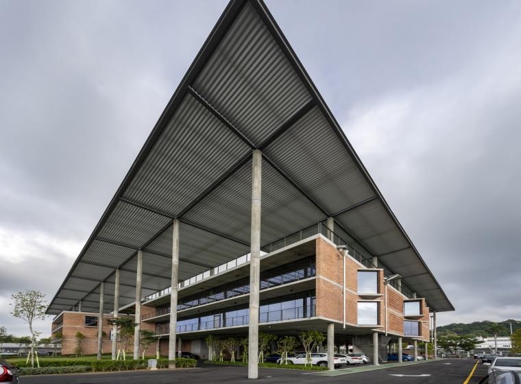 马来西亚Aemulus电子公司的制造和办公大楼_2