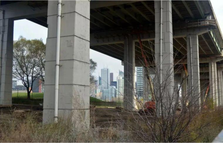 城市高架桥下,除了停车场还能干些什么_20