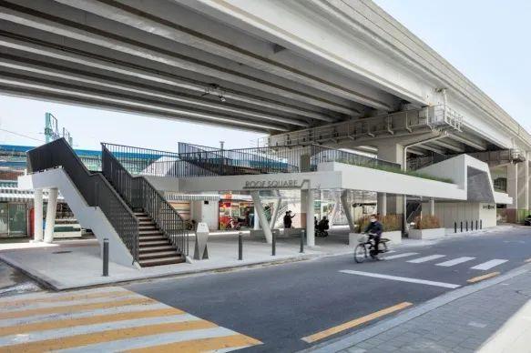 城市高架桥下,除了停车场还能干些什么_31