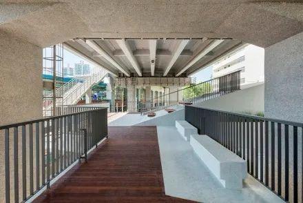 城市高架桥下,除了停车场还能干些什么_36