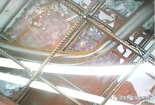 建筑水电预留预埋阶段工程质量通病及正确安_16